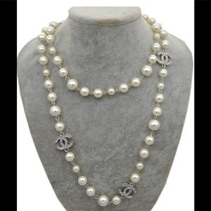 ONE DAY SALE elegant crystal &a pearl necklace